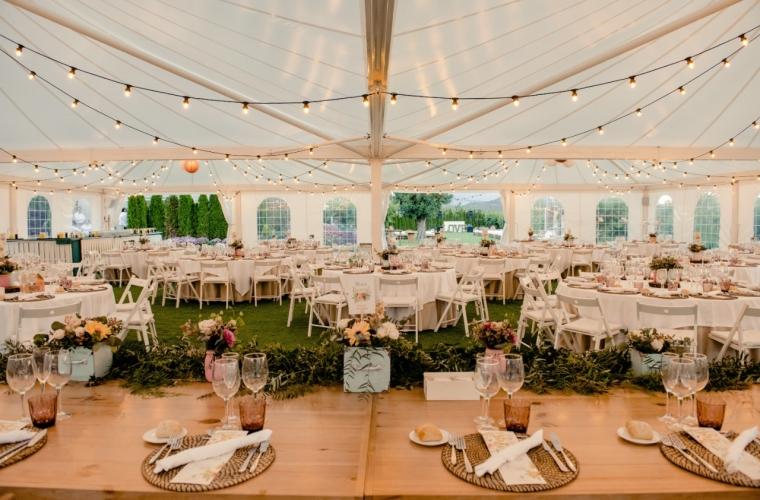 distribucion mesas boda romantica